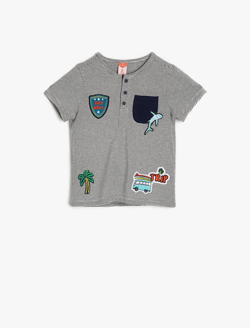 Aplike Detaylı T-Shirt