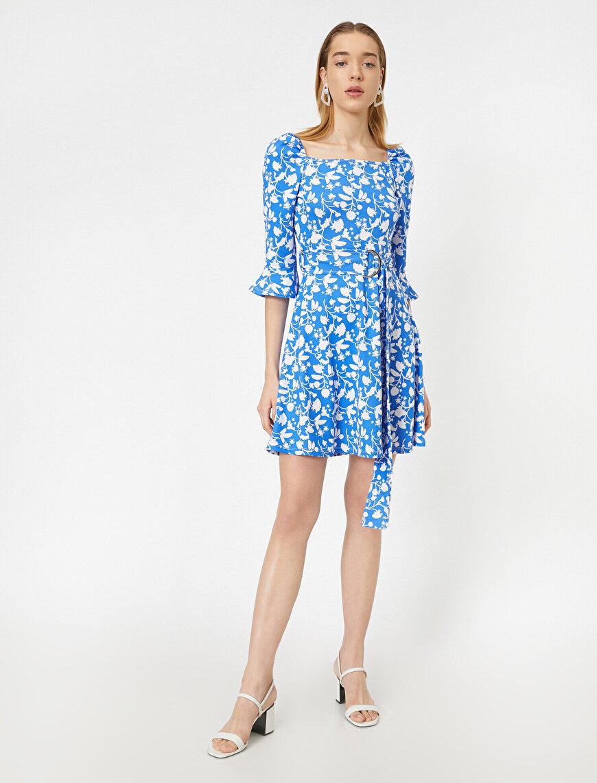 3/4 Kollu Kare Yaka Beli Kuşak Detaylı Mini Elbise