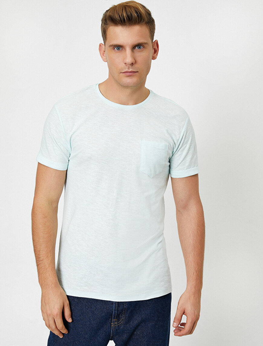 Round Neck Pocket Detailed T-Shirt