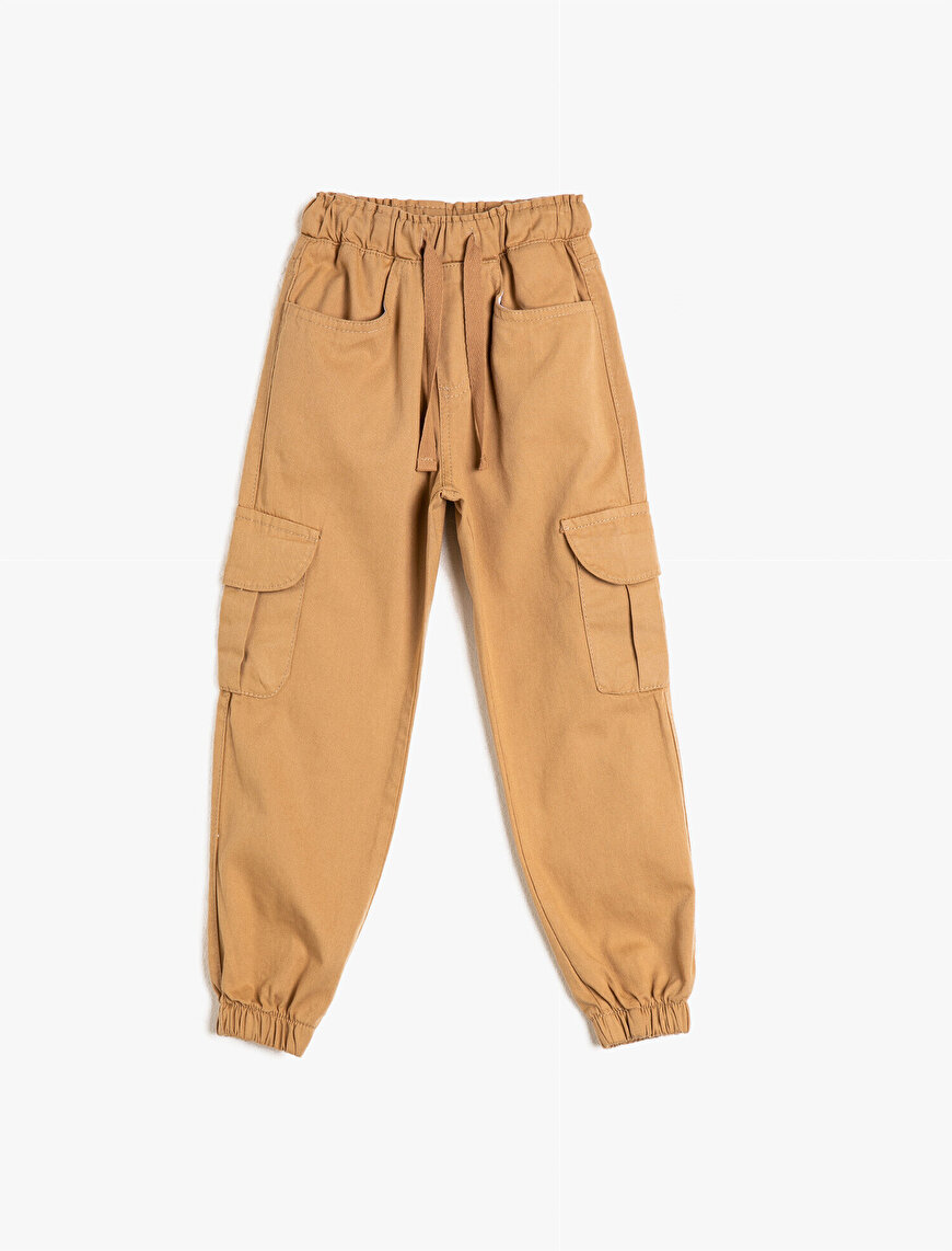 Loose-Fitting Trousers With Pocket Detail
