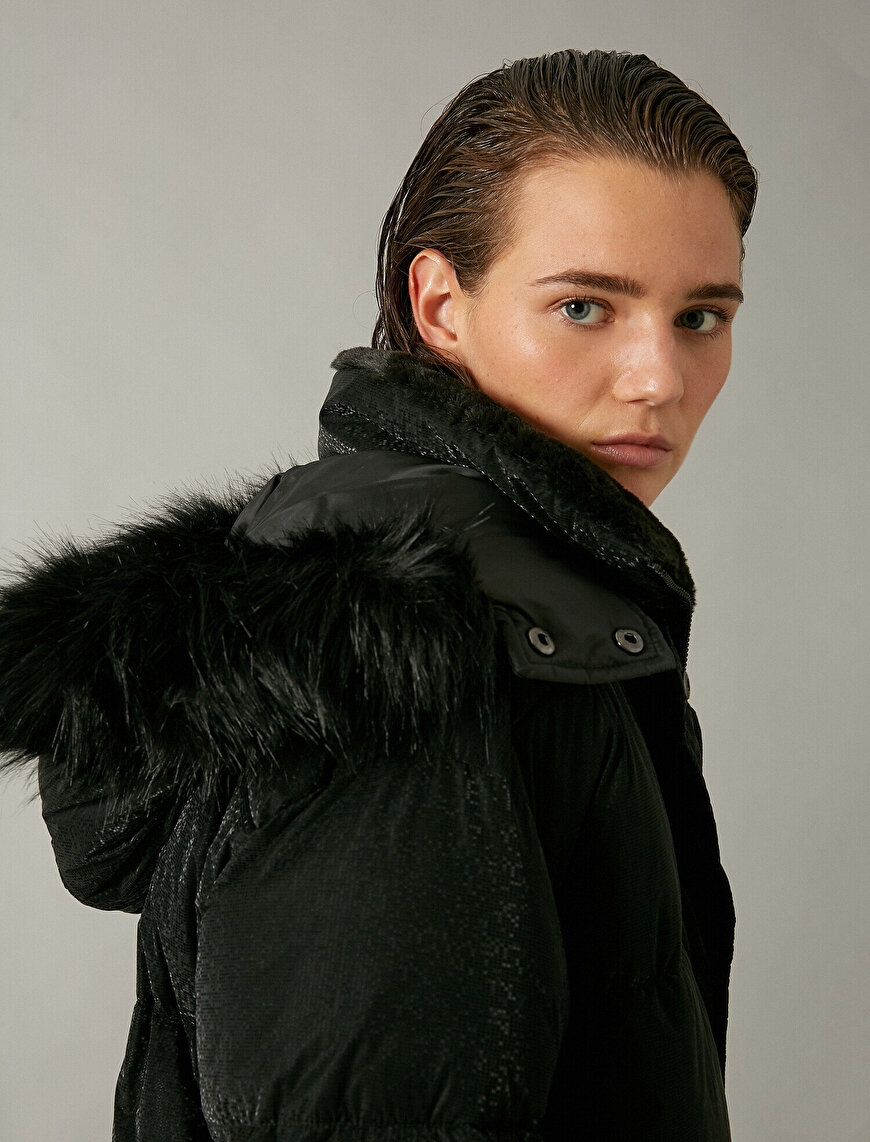 Hooded Faux Fur Detailed Oversize Crop Anorak