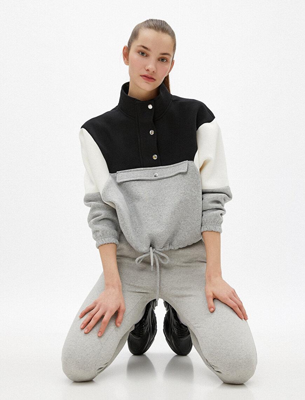 Respect Life | Yaşama Saygı - Renk Bloklu Cep Detaylı Sweatshirt