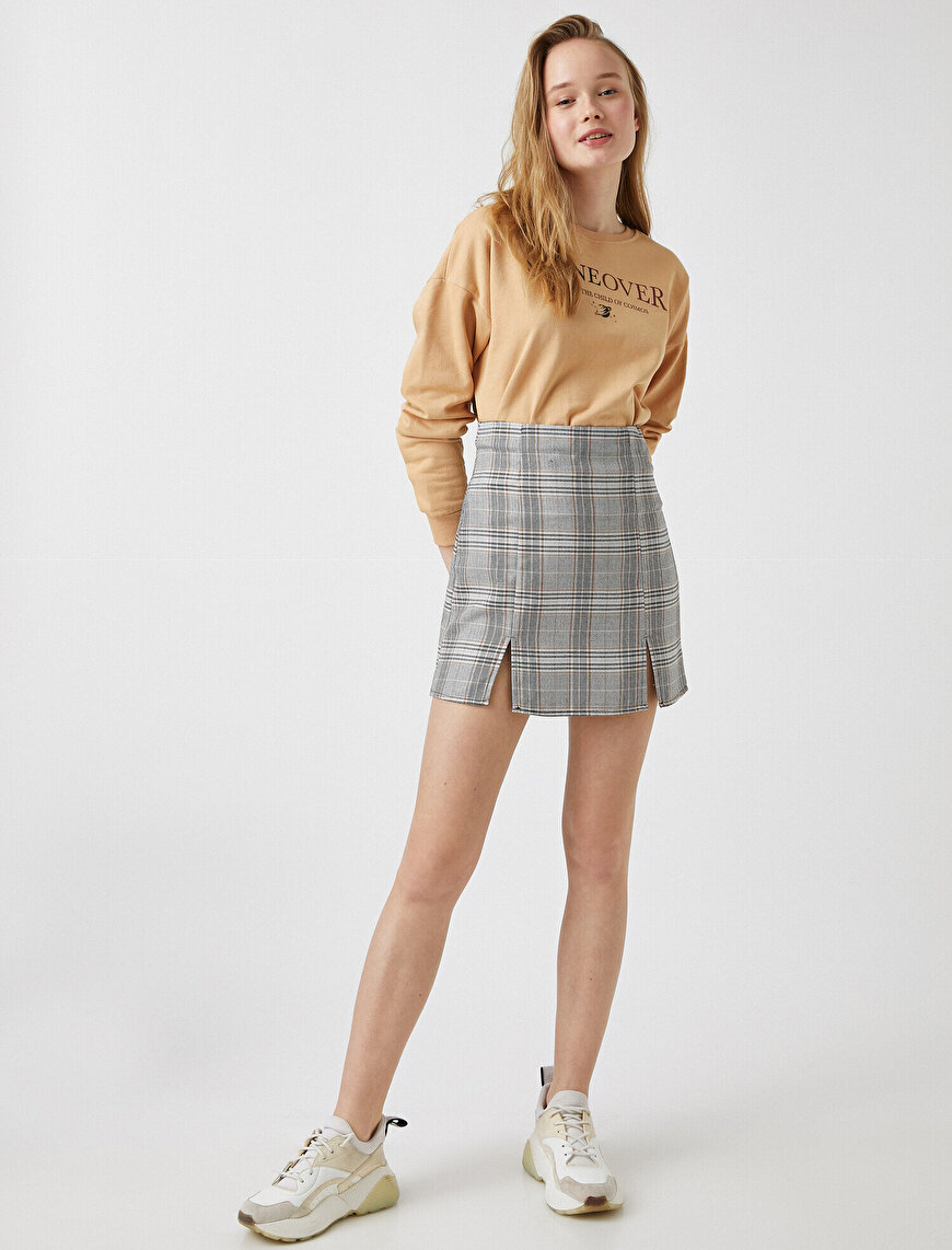Slit Detailed Check Mini Skirt