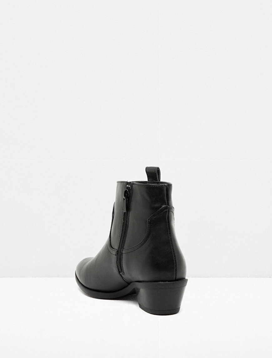 Stud Detailed Boots