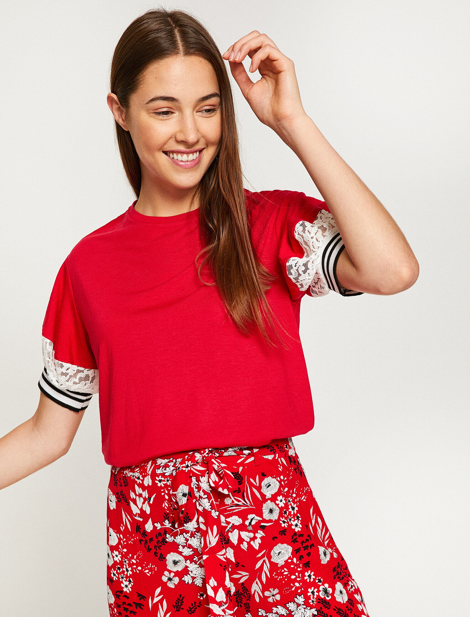 Koton Kadın Dantel Detayli T-Shirt