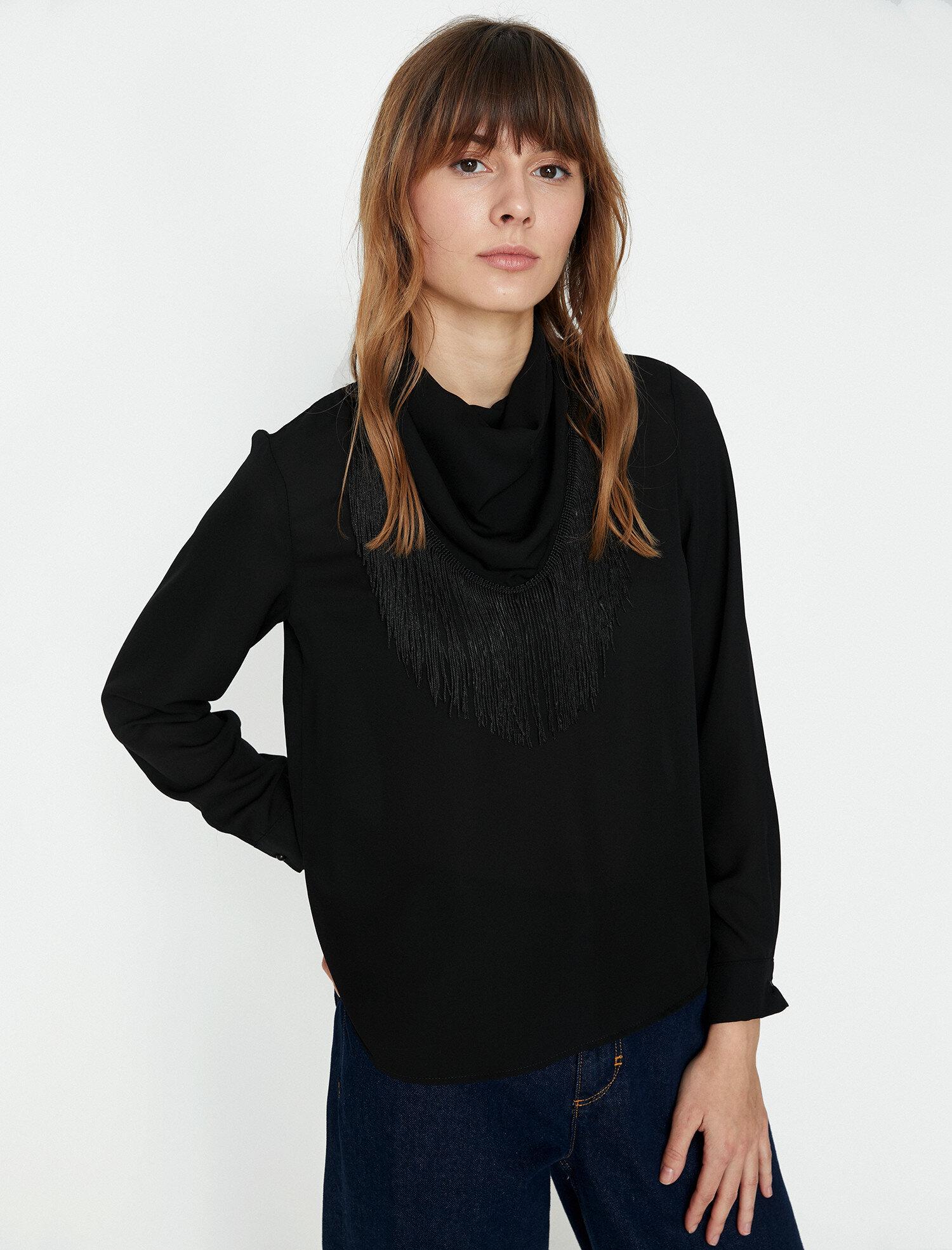 Koton Kadın Püskül Detayli Bluz Siyah Ürün Resmi
