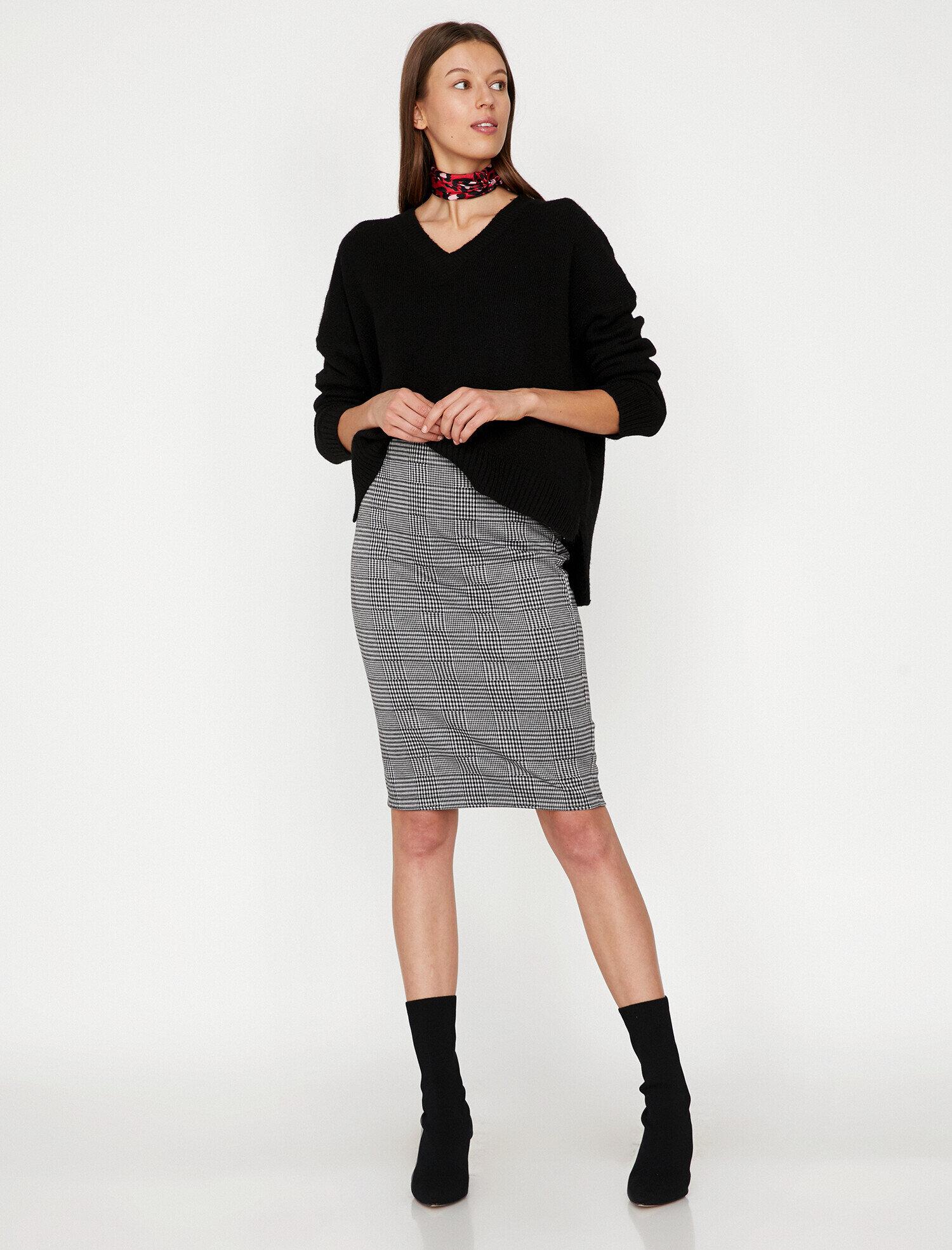 Koton Kadın Kareli Etek Siyah Ürün Resmi