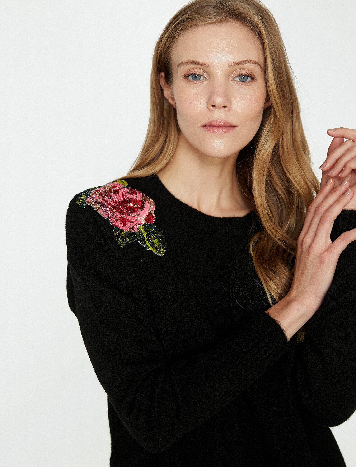 Koton Kadın Pul Detayli Kazak Siyah Ürün Resmi