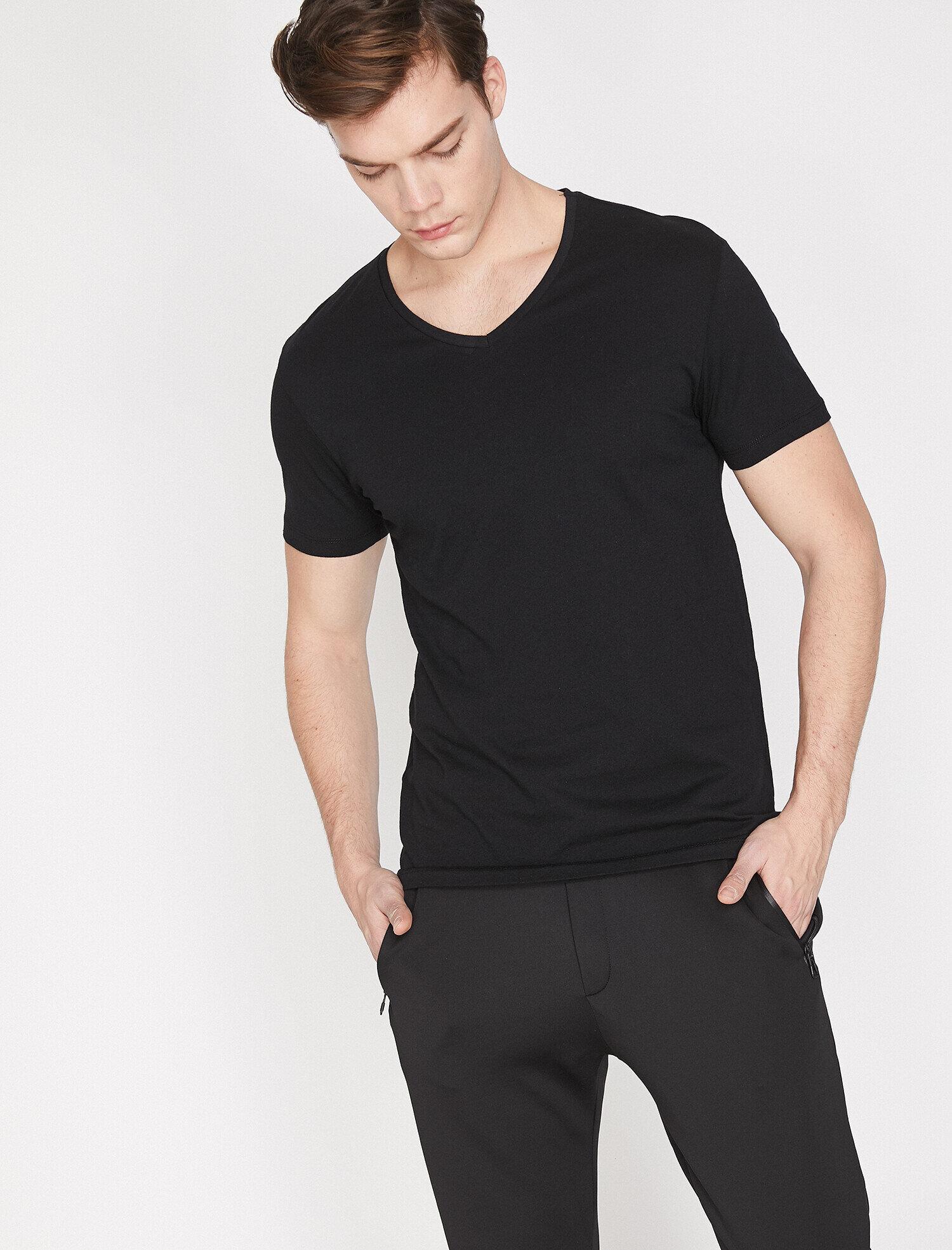 Koton Erkek V Yaka T-Shirt Siyah Ürün Resmi